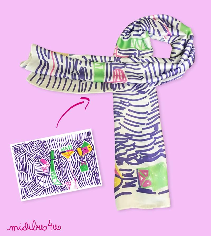 3f7b610ba Pañuelo para mamá personalizado con un dibujo de su niño preferido.